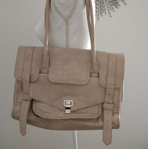 Cream shoulder bag